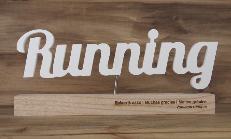 Trophée running en bois