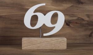 Trophée en métal socle en bois