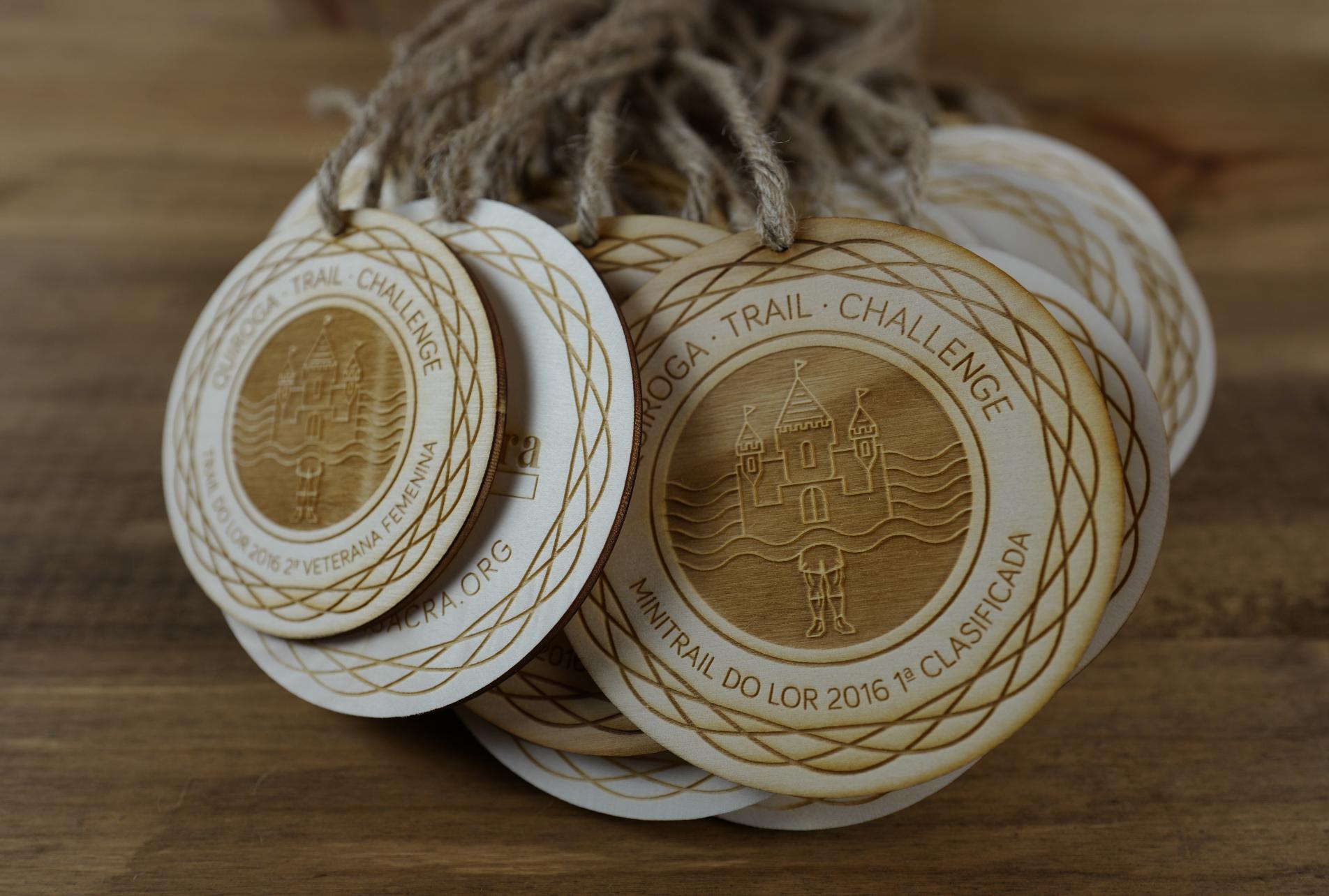 Trophée médailles en bois